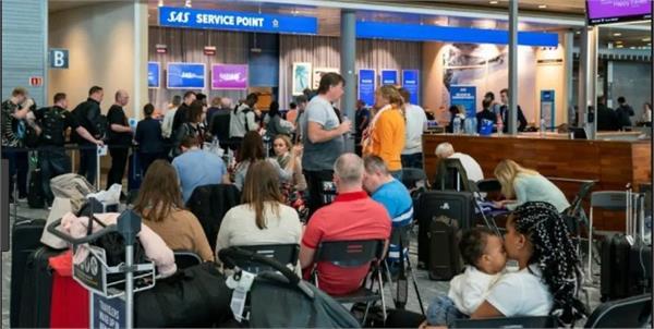scandinavian airline sas cancels more flights as strike talks resume