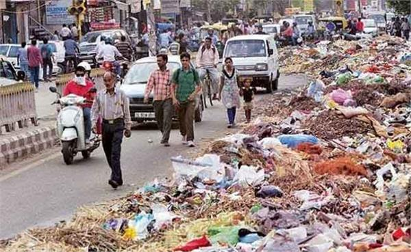 court s stance on dirt and garbage in lucknow