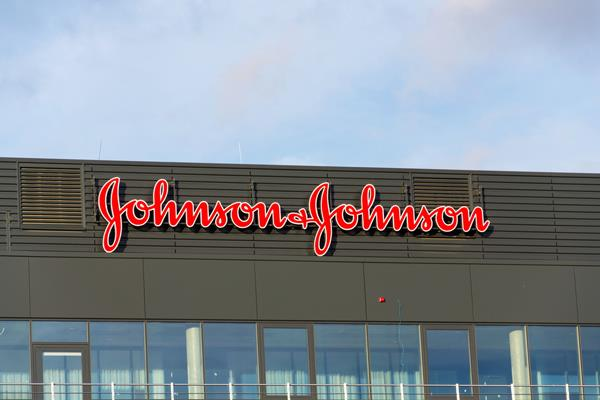 high court orders 67 patients in 2 weeks 25 25 lakhs johnson and johnson