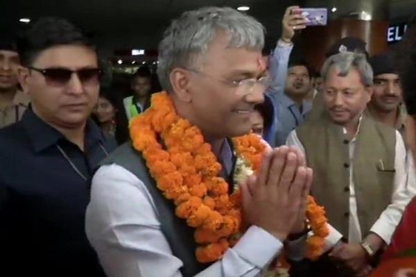 uttarakhand chief minister trivedi rawat arrives in delhi