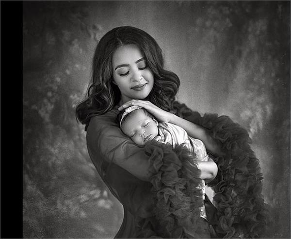 सुरवीन ने करवाया बेटी के साथ फोटोशूट, मां-बेटी दोनों दिखी एंजल
