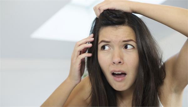 उम्र से पहले सफेद बालों को काला करने का असरदार नुस्खा
