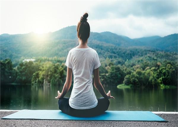 औरतों के लिए बेस्ट हैं ये 10 योगासन, हर किसी का है अलग फायदा