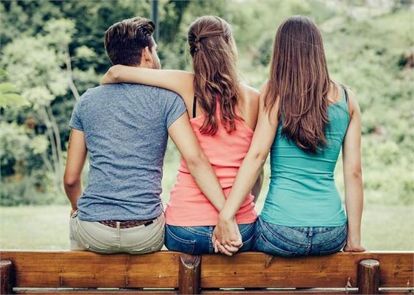 Relationship Tips: धोखेबाज पति की पहचानें निशानियां, यूं करें हैंडल!