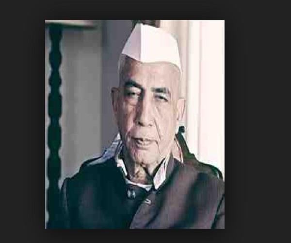 charan singh has struggled to get the rights of lifelong farmers