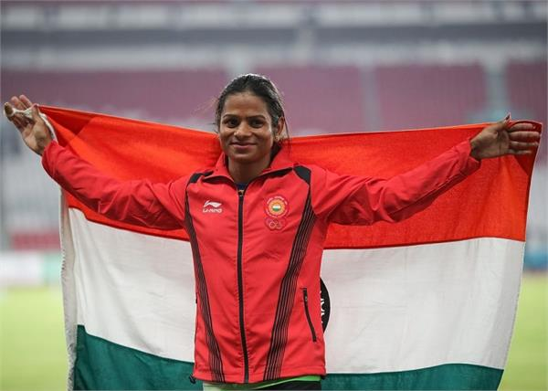 एथलीट 'दुती चंद' को ब्लैक मेल कर रही उसी की सगी बहन, मांगी 25 लाख रुपए की रकम