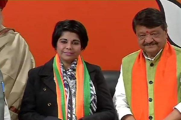 cash recovered from bjp candidate bharti ghosh car