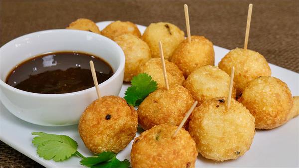 आज ही बनाकर खाएं सॉफ्ट एंड क्रिसपी Fried Potato Balls