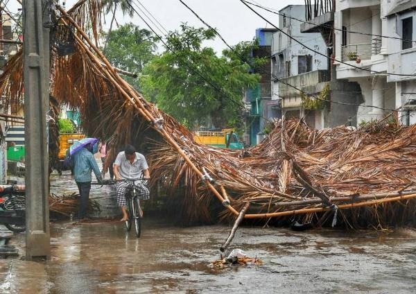 cyclone storm fani 10 updates