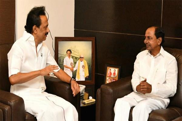 lok sabha election don t see chance for third front stalin