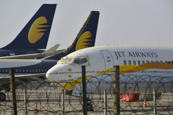 delhi highcourt issues notice to jet airways and dgca