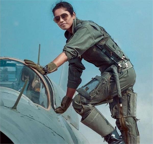 भावना कंठ बनी पहली IAF पायलट, छोटे शहर से खुले आसमान तक ऐसा रहा कामयाबी का सफर