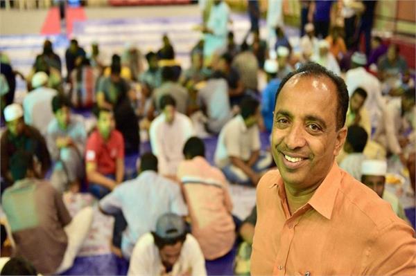 indian christian built mosque hosts iftar