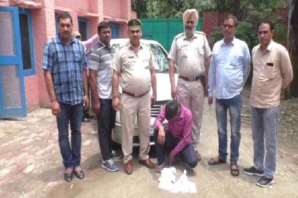 police arrested army personnel opium car recovered