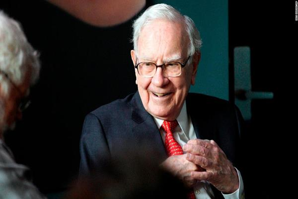 warren buffett s said the role of women should be big in investment decisions