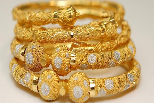 gold rips 135 rupees silver tumbles rs 100