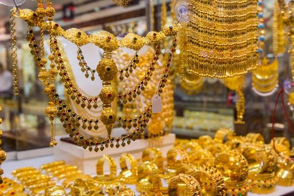 gold rises to rs 75