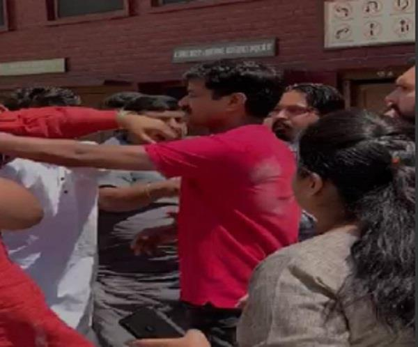 dispute between akali and congress workers