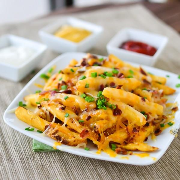 सिंपल नहीं बनाकर खाएं Baked Cheesy French Fries