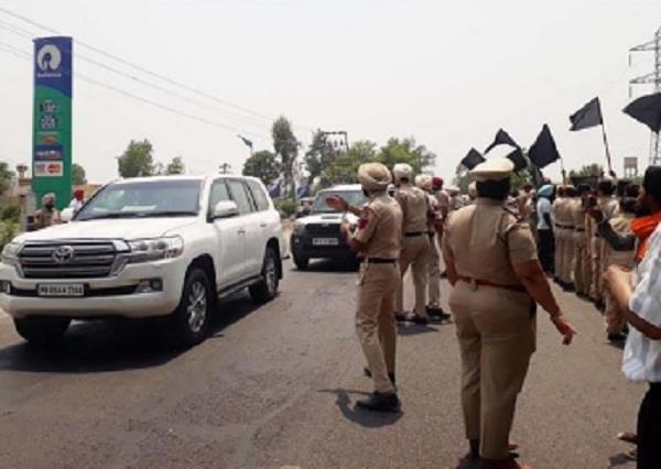 sikh organization protest against sukhbir badal