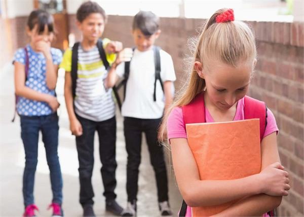 Bullying का शिकार तो नहीं हो रहा आपका बच्चा, दिखेंगे ये 5 बदलाव