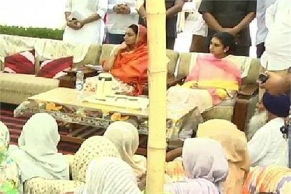 harsimrat daughter also in lok sabha campaign