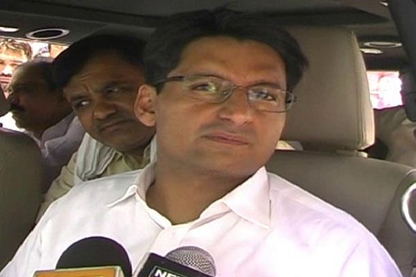 deependra singh hooda commented on bjp