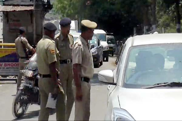 increased security at interstate check points about lok sabha election