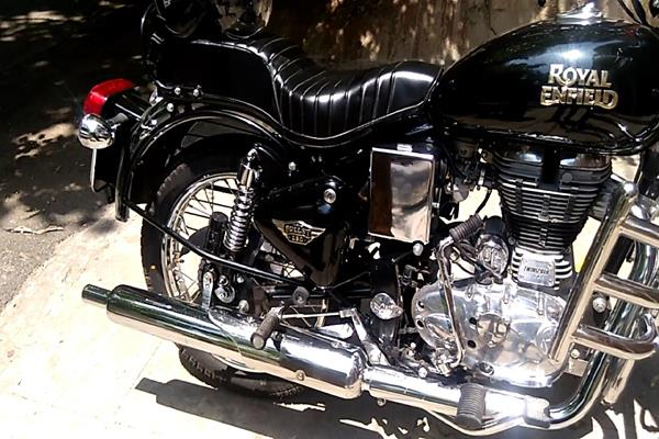 royal enfield recalls 7000 bullets and bullet electra bikes