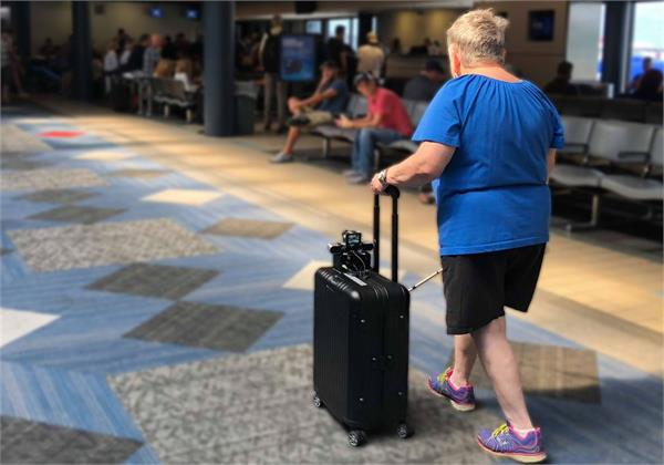 smart suitcase app to help blind people navigate airports