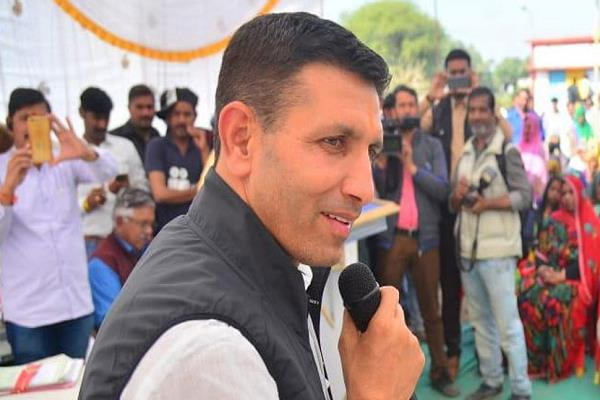 what is the minister called jitu patwari on shivraj