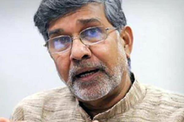 kailash satyarthi says people like sadhvi are killing gandhiji s soul