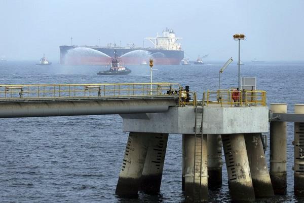 attack on saudi arabian oil tankers between tensions between the us and iran
