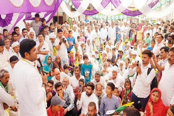things like sir chhoturam s name and work anti farmer dushyant chautala