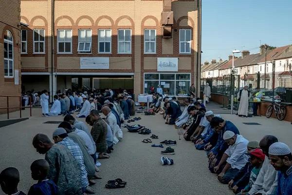 during the prayers the firing took place outside a mosque in london
