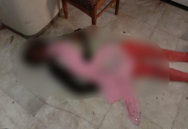the maid s dead body was hanged in the kothi