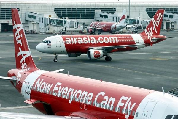 emergency landing at airasia i5 588 kolkata airport after threatening calls