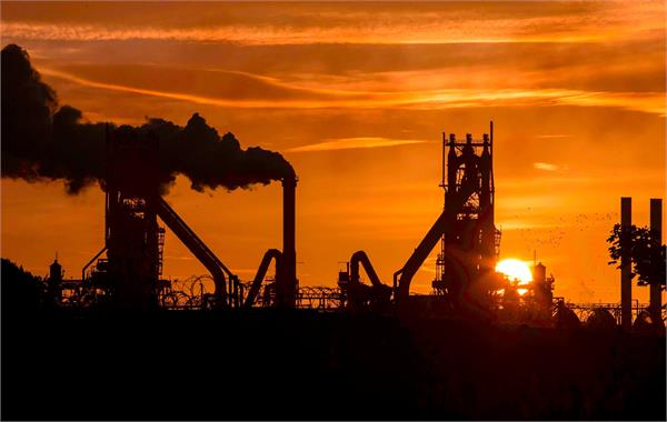 british steel submerged 5 000 thousand jobs were clouded by crisis