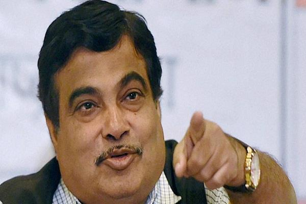 congress is the poverty of the country gadkari