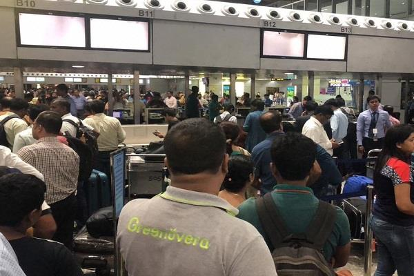 server down on kolkata airport passenger hassles