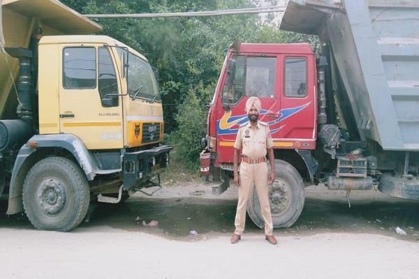 raid on illegal sand pits 5 tips and 1 jcb on the spot seized machine