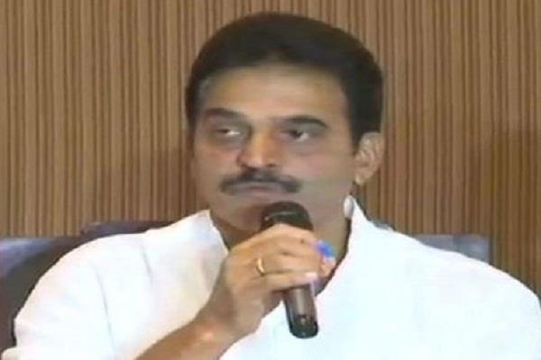 venugopal is reaching bangalore between political crisis in karnataka