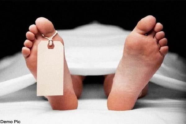 factory supervisor s body found hanging in crane kund