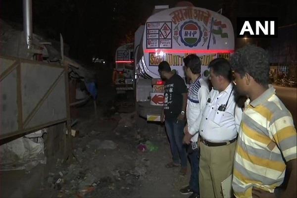 maharashtra truck crushes people sleeping on the sidewalk 2 killed