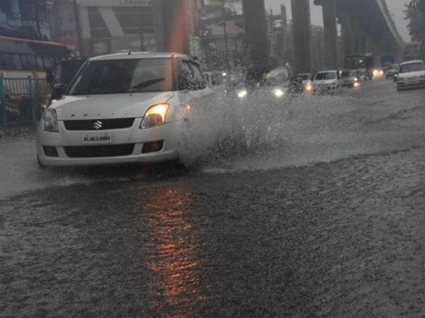 heavy rains in kerala opened the door of the aruvikkar dam