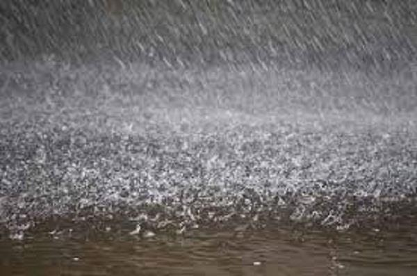 rain lashes with strong winds in 48 hours