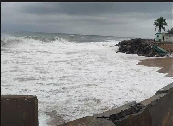 cyclone vayu will collide near veraval coast school closes for 2 days