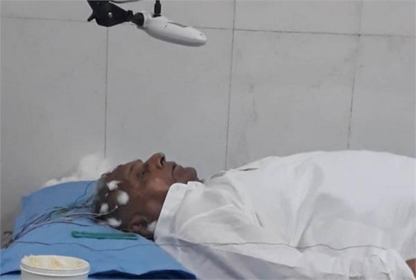 mulayam singh gets leave from hospital late last night