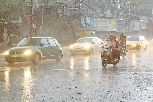 changed weather in mp 2 killed by electric lightning with sharp rain