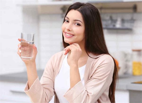 पानी पीना ही नहीं है काफी, जान लें सही समय और तरीका